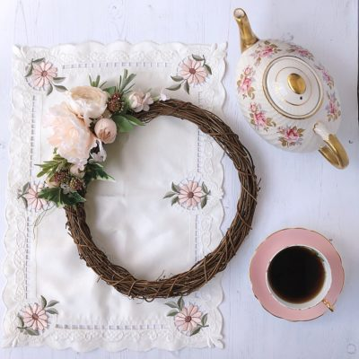 Summer wreath and china