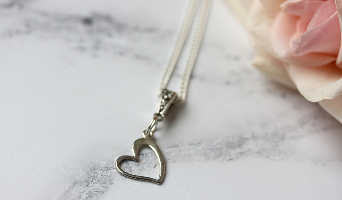 slideshow heart pendant