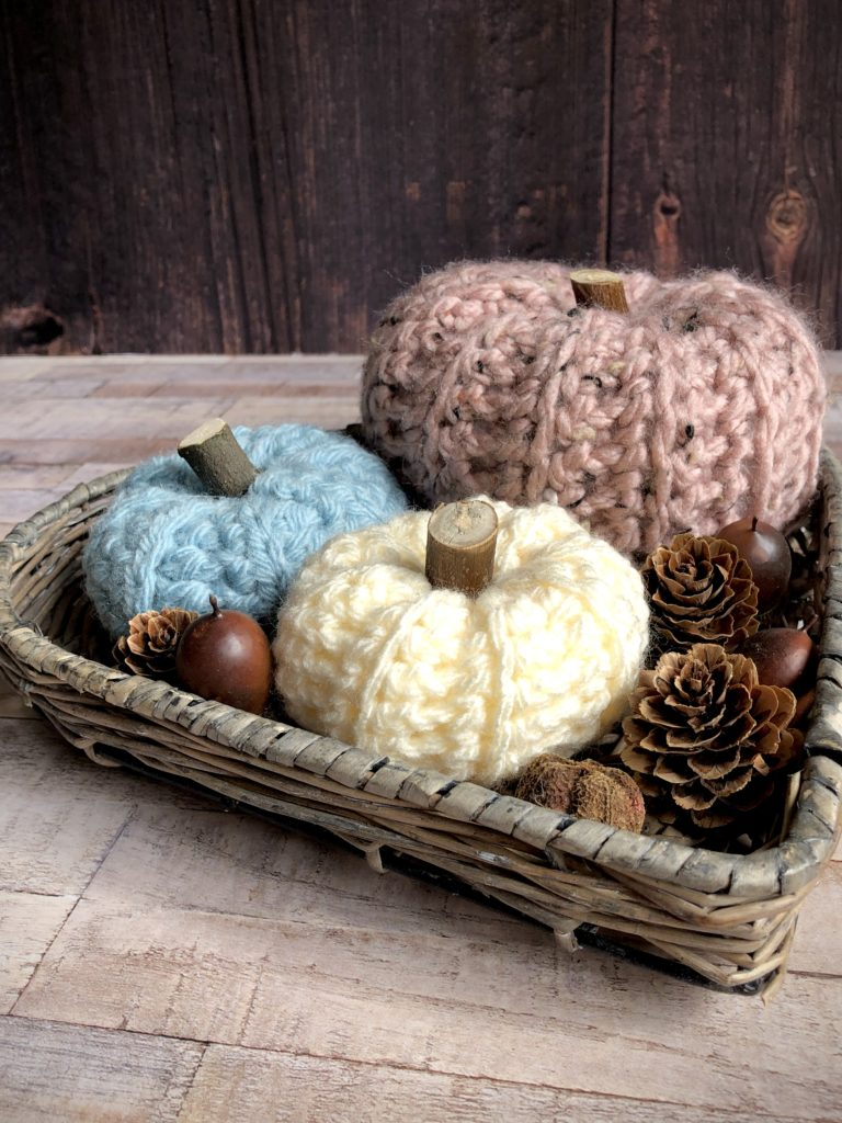 crocheted pumpkins by Janmary