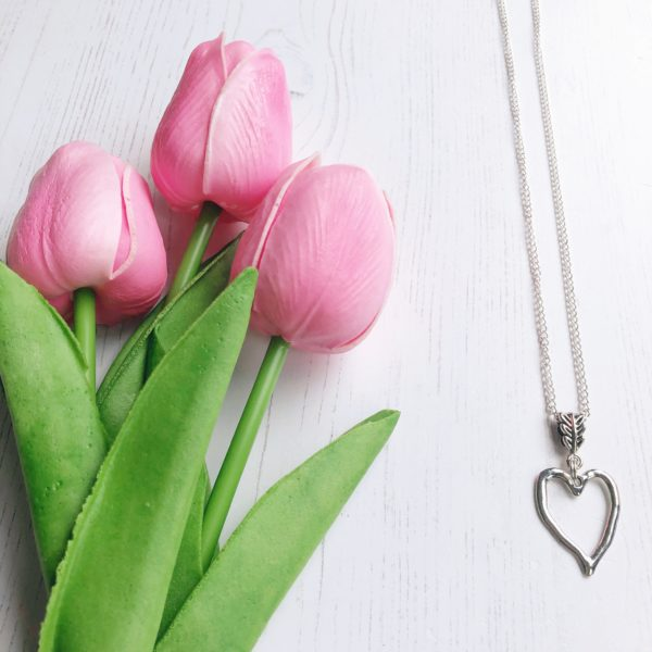 janmary necklace heart 1