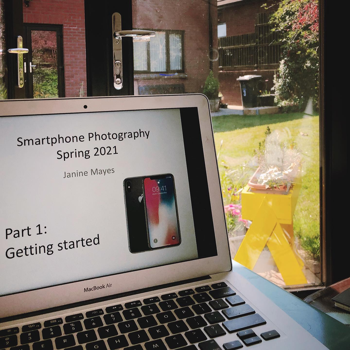 Taught my first smart phone photography workshop of the year.... via zoom to community groups in Cullybackey and Portglenone. Know any groups who would be interested? Let me know!
